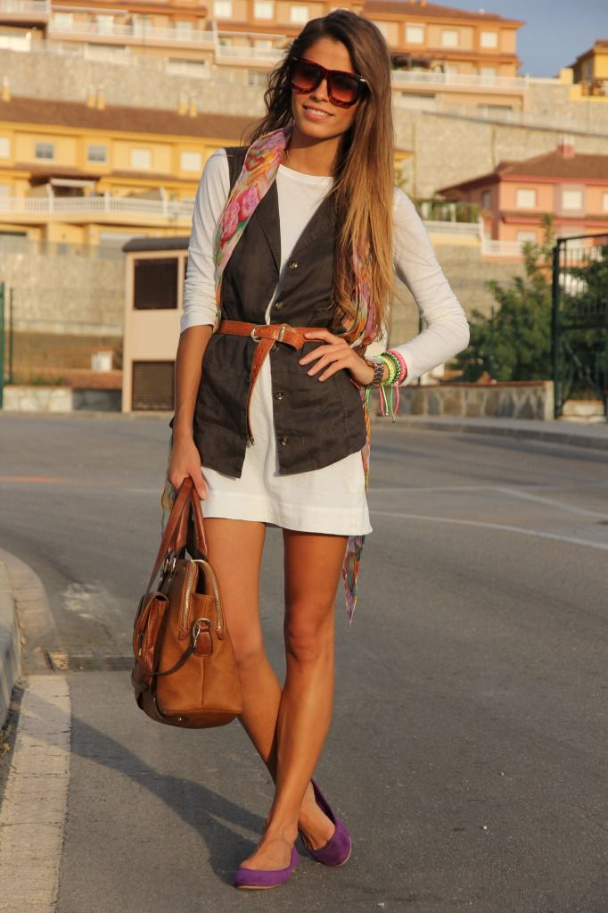 I want this girl's closet. LOVE her style. Total blog find.
