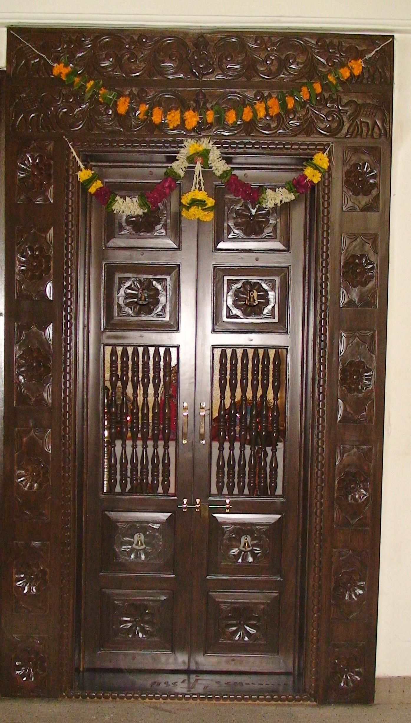 9 Traditional Pooja Room Door Designs In 2020: Pooja Door Designs Teak Wood