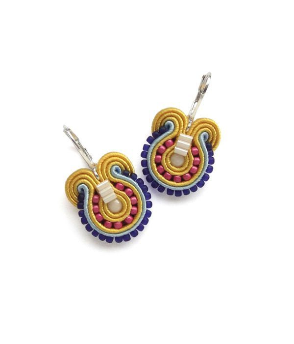 Colorful Earrings Rainbow Earrings Yellow Earrings Dangle Earrings Young Adult Jewelry Yellow Drop Earrings Teens Jewelry Rainbow Jewelry di BeadsNSoutache su Etsy https://www.etsy.com/it/listing/179808664/colorful-earrings-rainbow-earrings