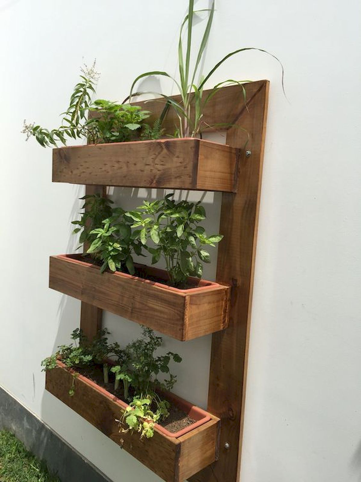 33 best diy flowers boxes ideas33decor in 2020 wooden on easy diy woodworking projects to decor your home kinds of wooden planters id=44331