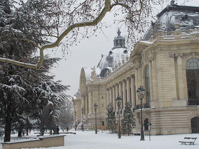 Le Petit Palais sous la neige, Paris (75) by Yvette Gauthier, via Flickr