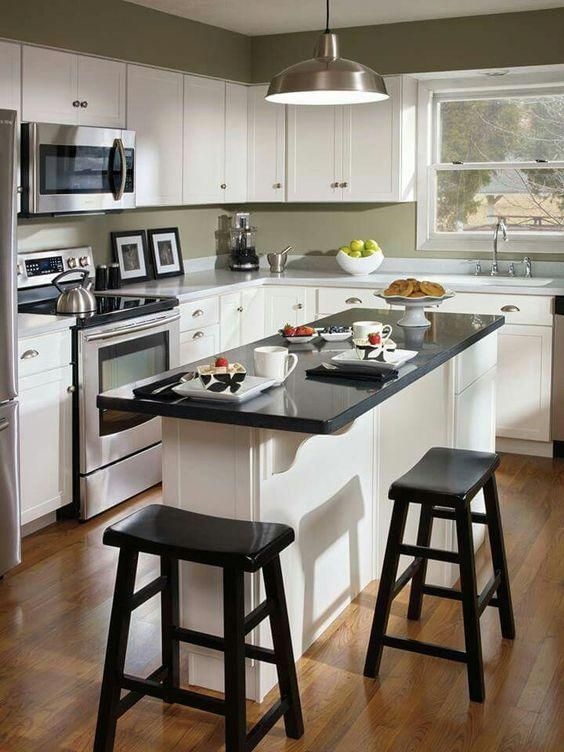 Small Kitchen Design 10x10: Kitchen Cabinet Refacing (With Images)