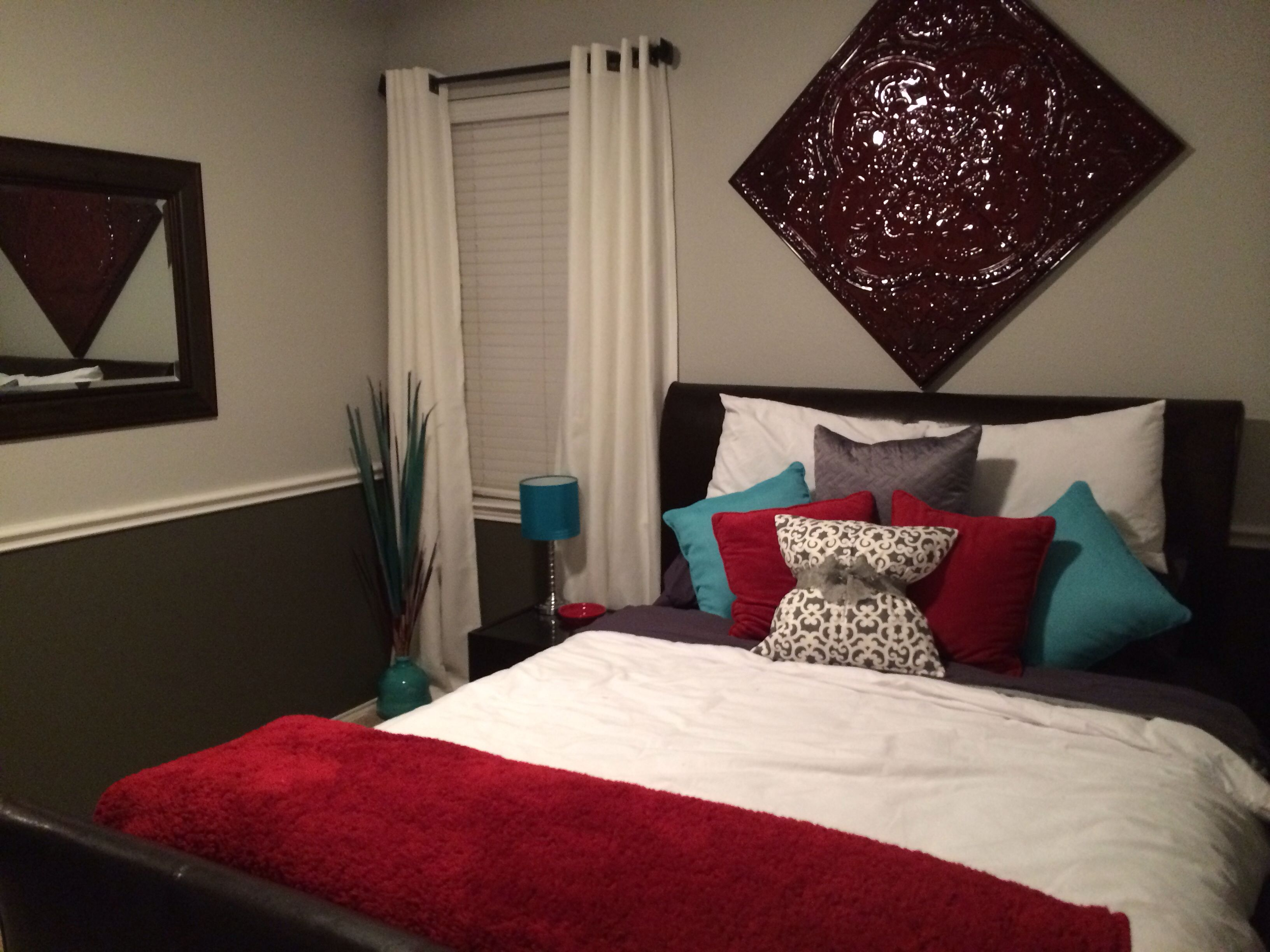 Grey, teal, red and white guest room! | Bedroom wallpaper ...