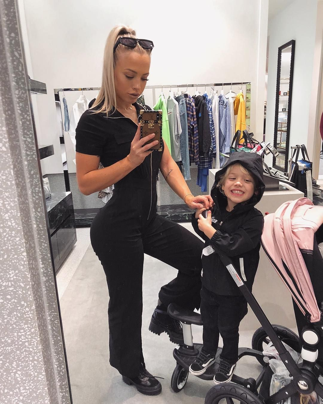 "f78625b9cd0 ⠀⠀⠀⠀⠀⠀⠀⠀⠀⠀⠀⠀⠀⠀⠀⠀⠀⠀Tammy 🦄 on Instagram  ""Mumma life ♥ wearing  fashionnova"""