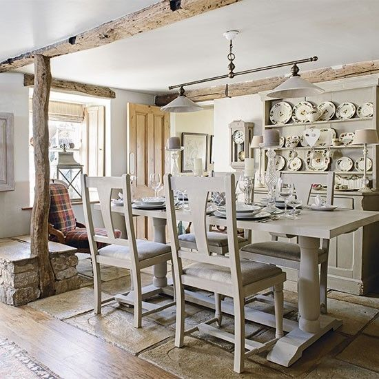 Be Inspired By This Cosy Country Cottage In The Lake