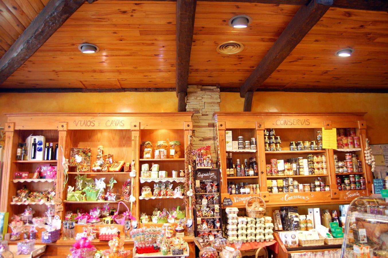 fruteria iluminacion | Ideas alimentación | coffee shops | vinotecas ...