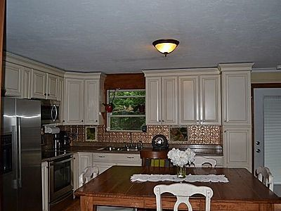 326 River Dr, Appleton, WI 54915 | Zillow | Kitchen ...