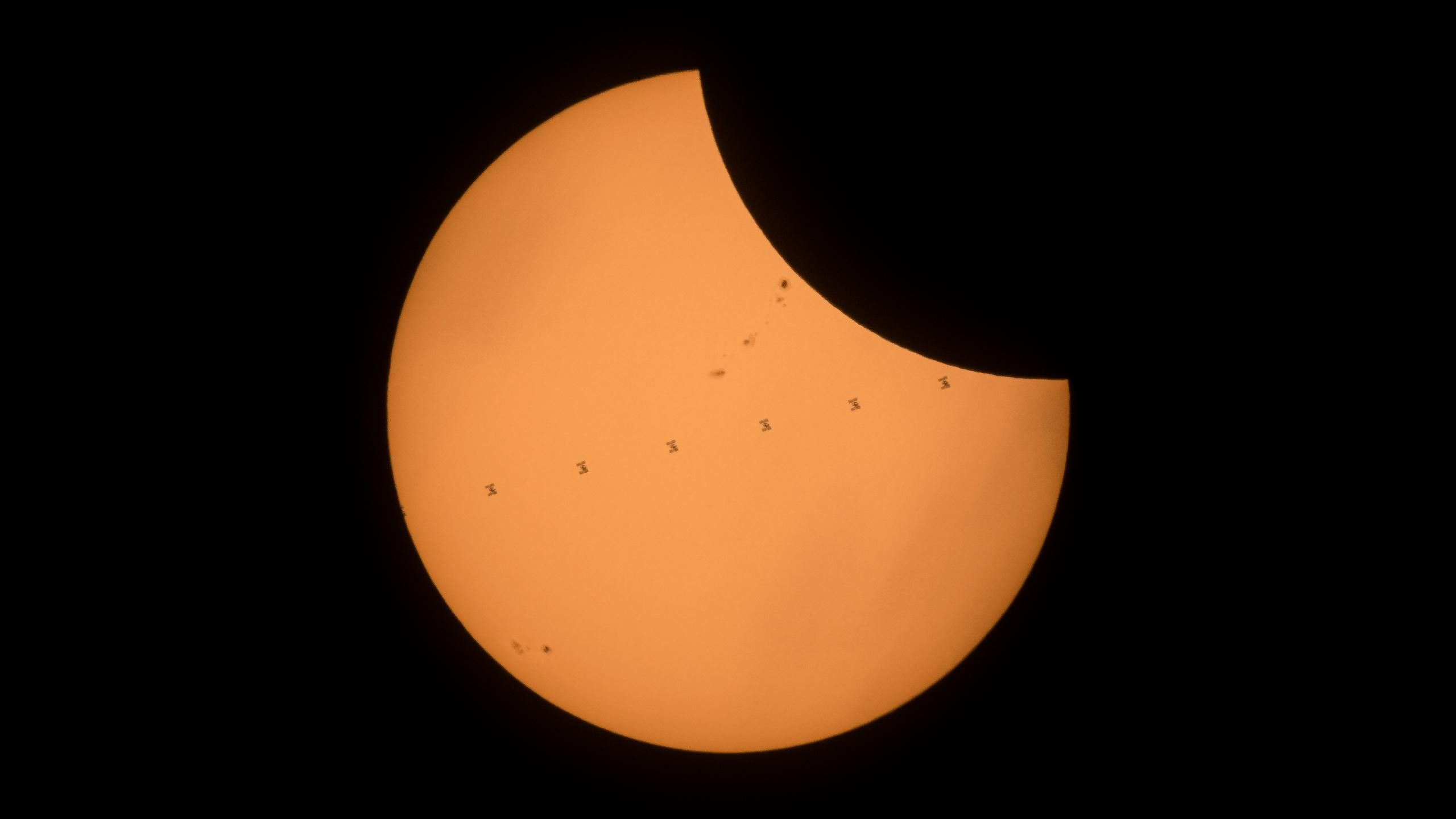 Eclipse 2017 ISS and Moon 1440p wallpapers Solar
