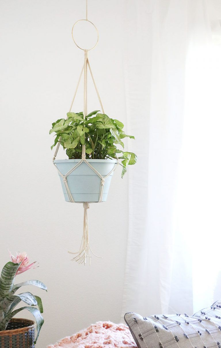 Simple DIY Macrame Plant Hanger is part of Diy plant hanger, Diy macrame plant hanger easy, Diy macrame plant hanger, Macrame plant hanger, Plant hanger, Macrame plant hanger tutorial - Learn how to make your own simple DIY Macrame Plant Hanger  This simple project is a fun way to add more greenery and life to your space
