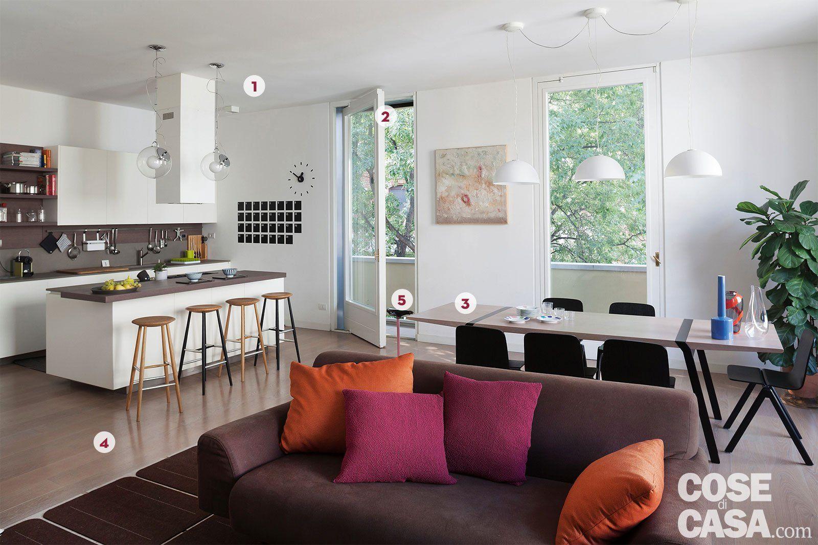 Una casa con il soggiorno open space che diventa più