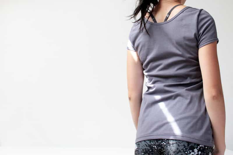 6346375022e Střih na jednoduché dámské tričko s krátkým rukávem