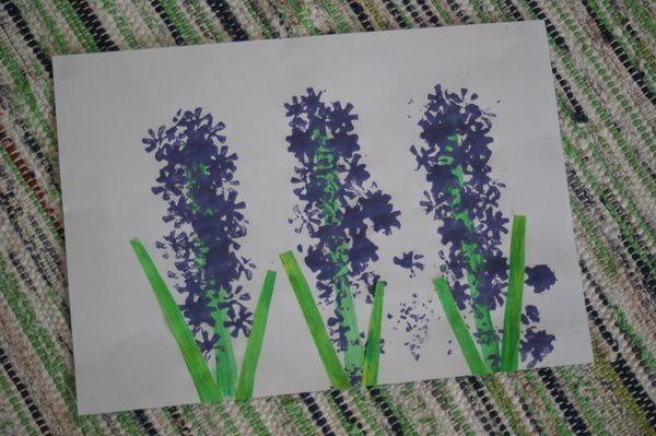 Hiacynt Pieczatka Z Korka Wiosna Prace Plastyczne Edukacyjne Art For Kids Crafts Plants