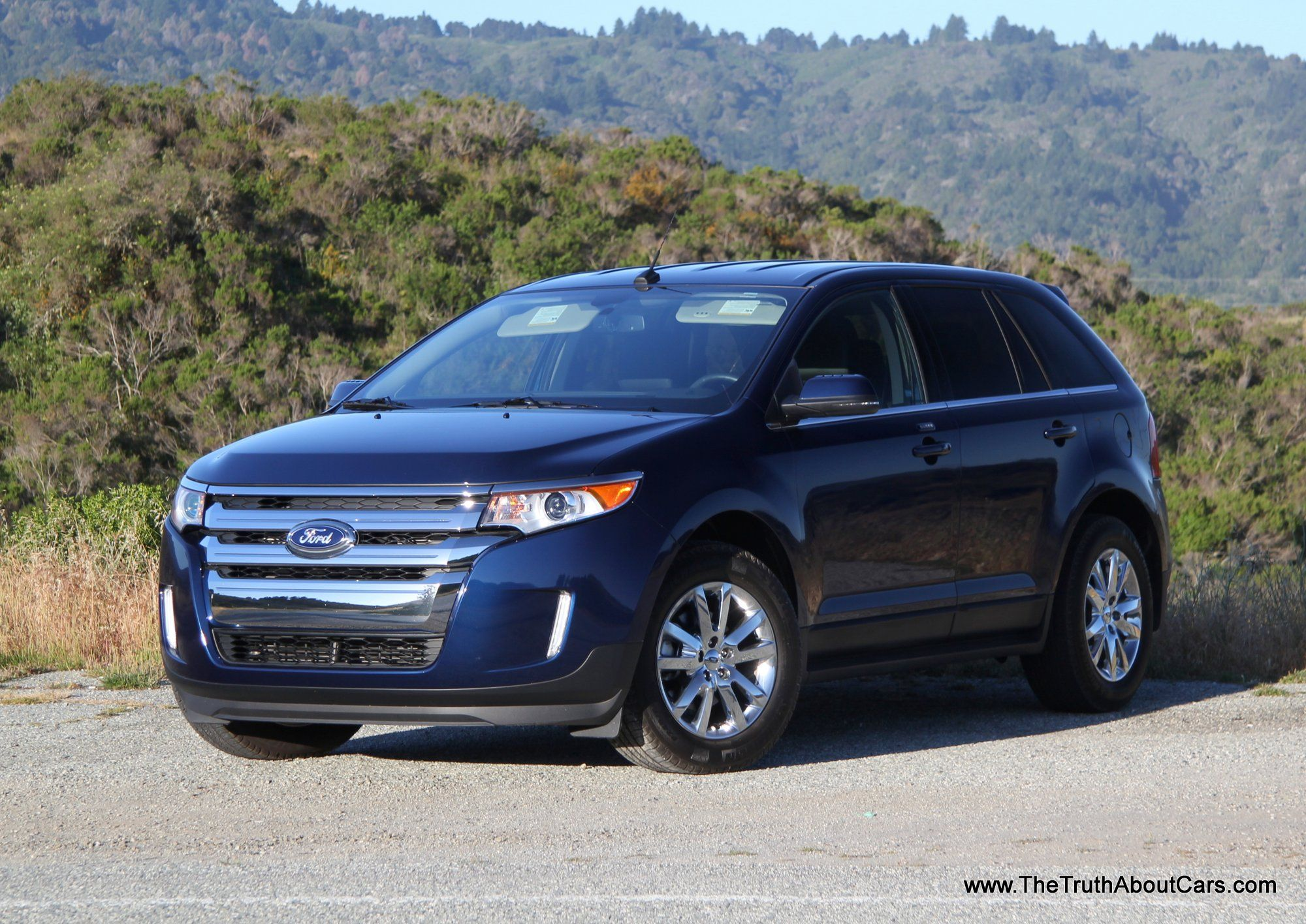 2014 Ford Edge In Dark Blue Love The Look Of This Car Very Smooth