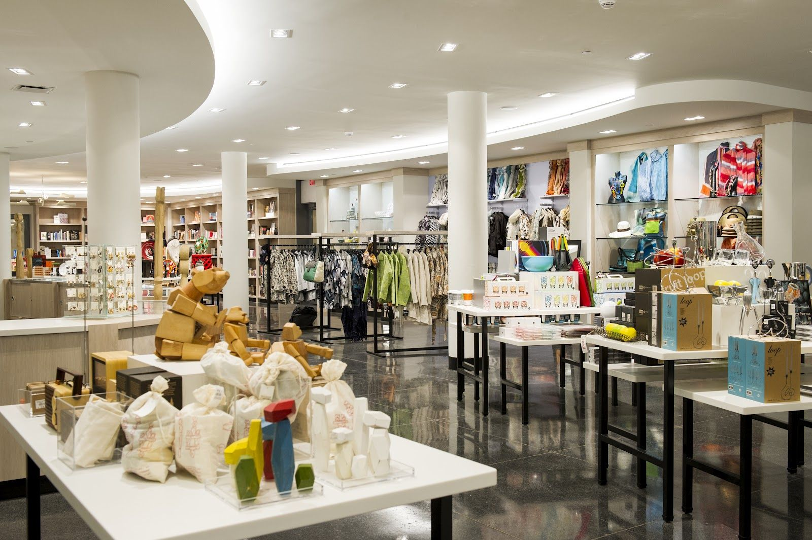 Although I Think The Merchandise Here And The Colors Are Too Busy And Cluttered I Like The Space Itself The Archit Beautiful Home Designs House Design Home