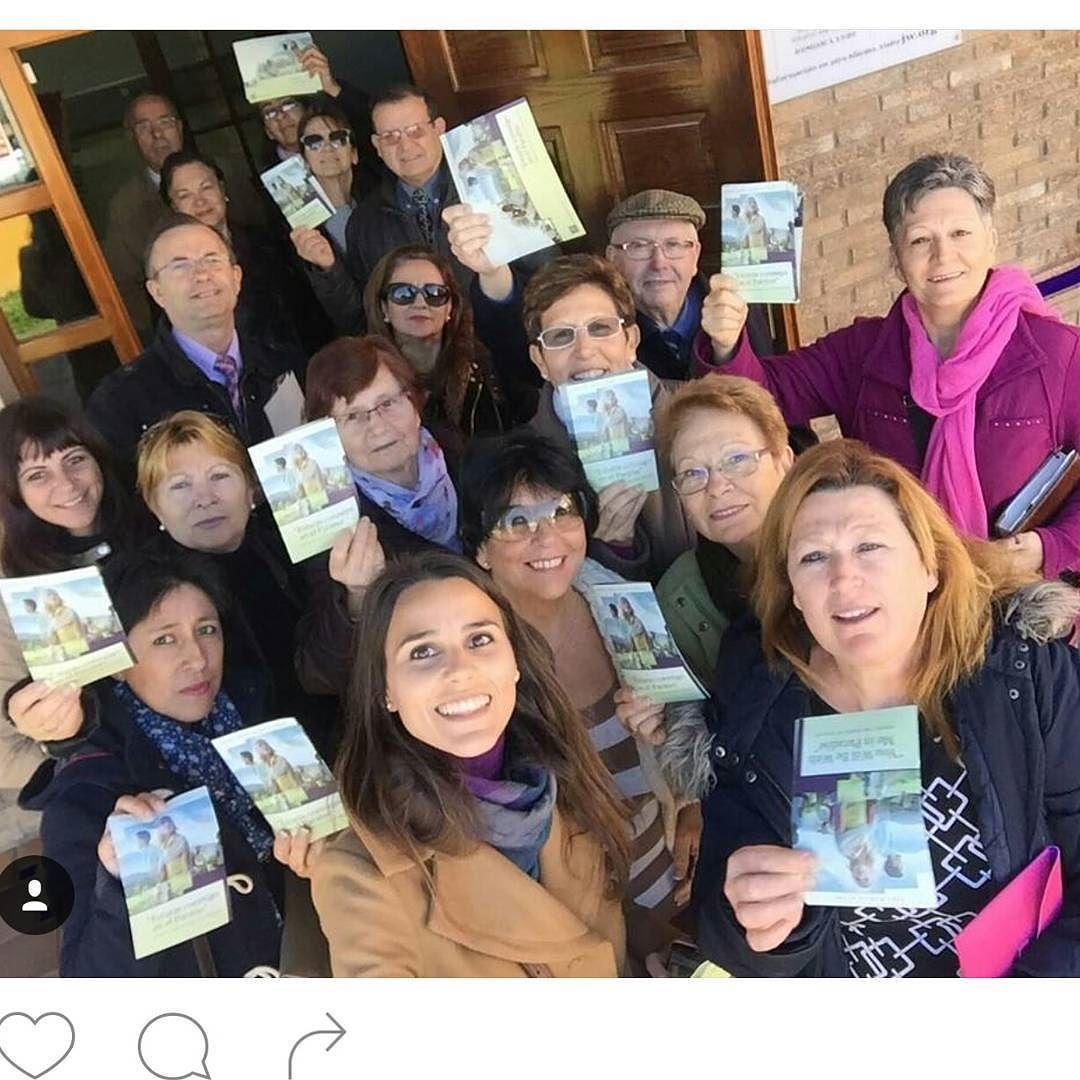 En #LaLinea, #España, hermanos y Hermanas felices participando en la,predicación con la invitacion al memorial de Cristo para el 23 de MARZO de 2016.  Jw.org en español. (Happy campaign from La Linea (Cádiz) Spain.)