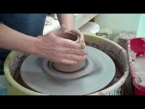John Britt Author Of The Complete Guide To High Fire Glazes And A Studio Potter In Bakersville Nc Shows How He Cr Pottery Videos Wheel Thrown Pottery Pottery