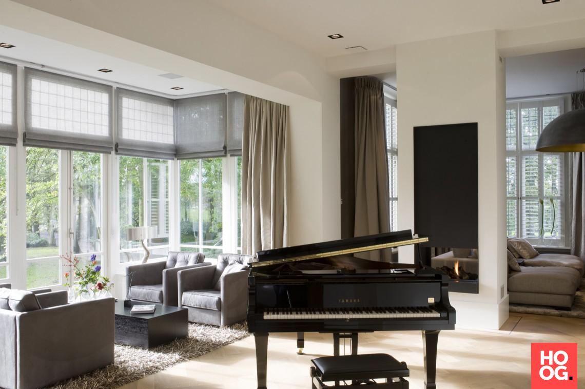 Moderne woonkamer inrichting met luxe zitstoelen stijlvol wonen in