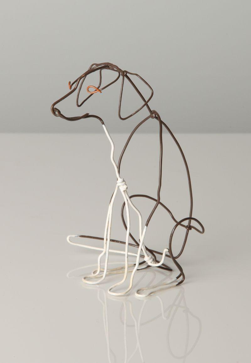 alexander calder wire sculpture Its hard to recognize which dog ...