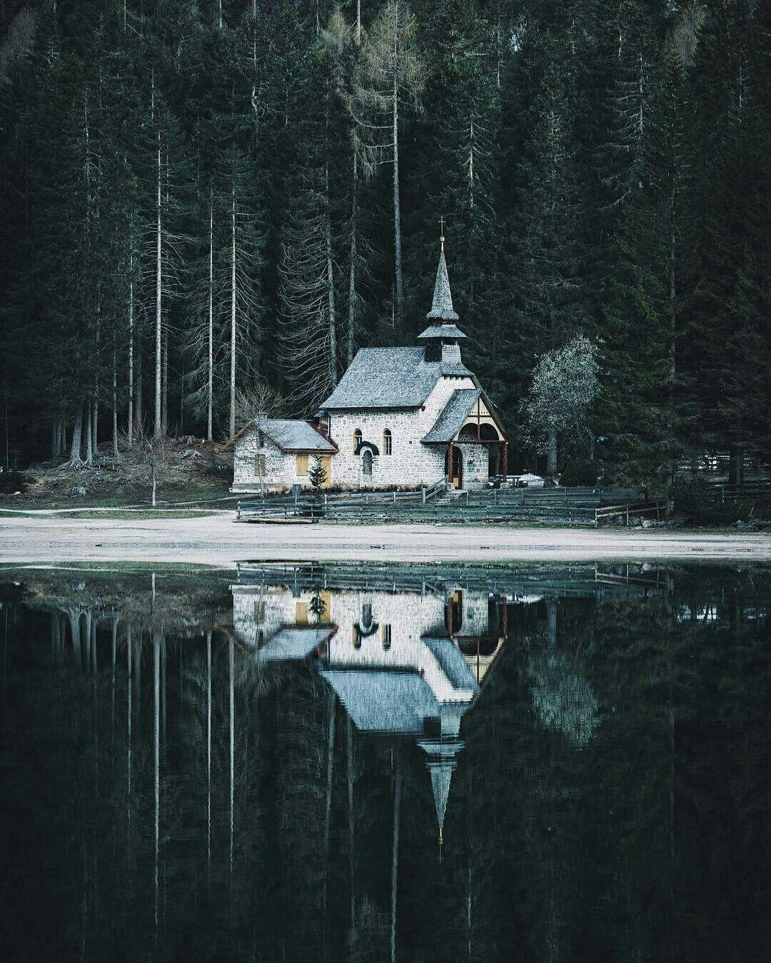 Lago di Braies (North Italy)