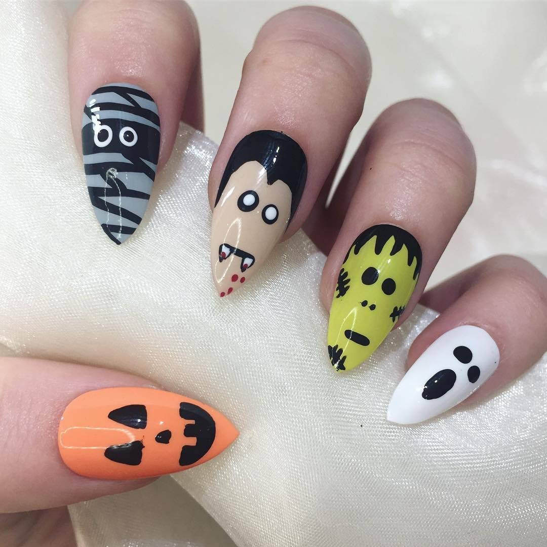 Top 100 Halloween Nail Art designs which are artistic and ...