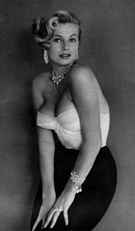 Anita Ekberg in Esquire, November 1954 -  Anita Ekberg in Esquire, November 1954  - #anita #curbywomen #ekberg #esquire #getal #lingrie #loving #november #people #presentideasforwomen #womenbodybuilders