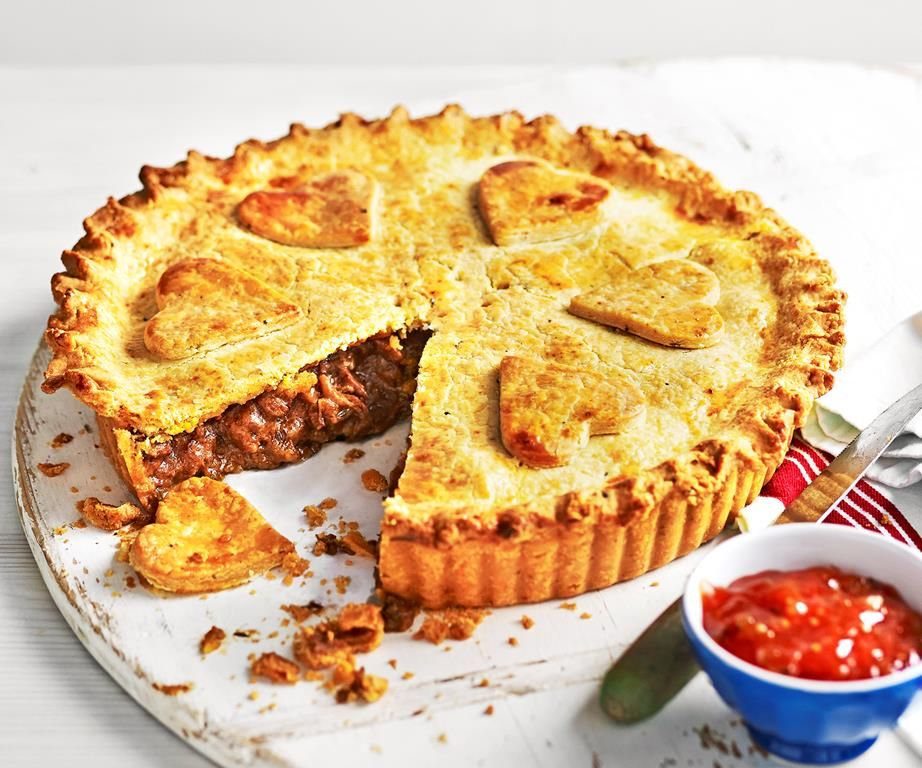 Beef and beer pie | Recipe in 2020 | Pie filling recipes ...