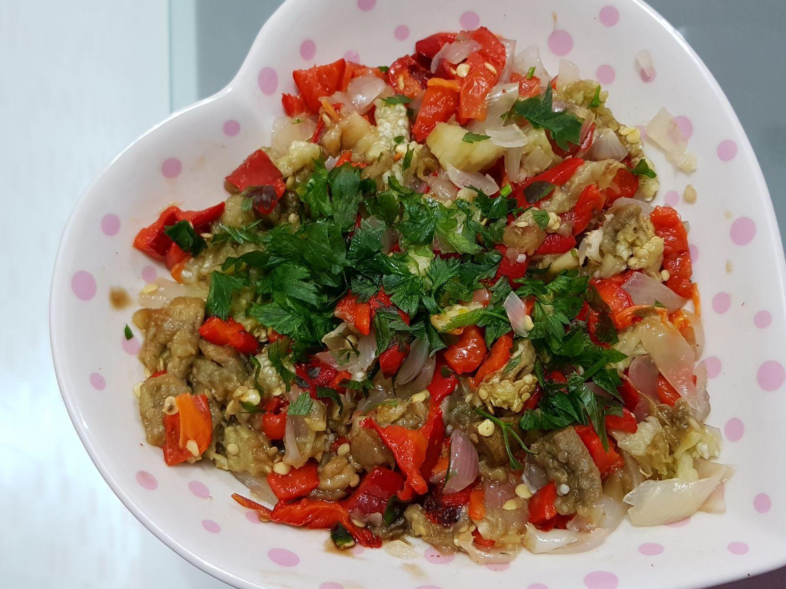 Çin Salatası Tarifi Videosu