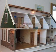 Dutch dollhouse dollhouses poppenhuizen for Barbiehuis meubels