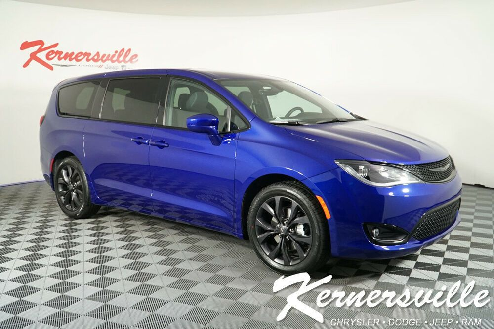 Ebay Advertisement 2019 Chrysler Pacifica Touring Plus Fwd Van