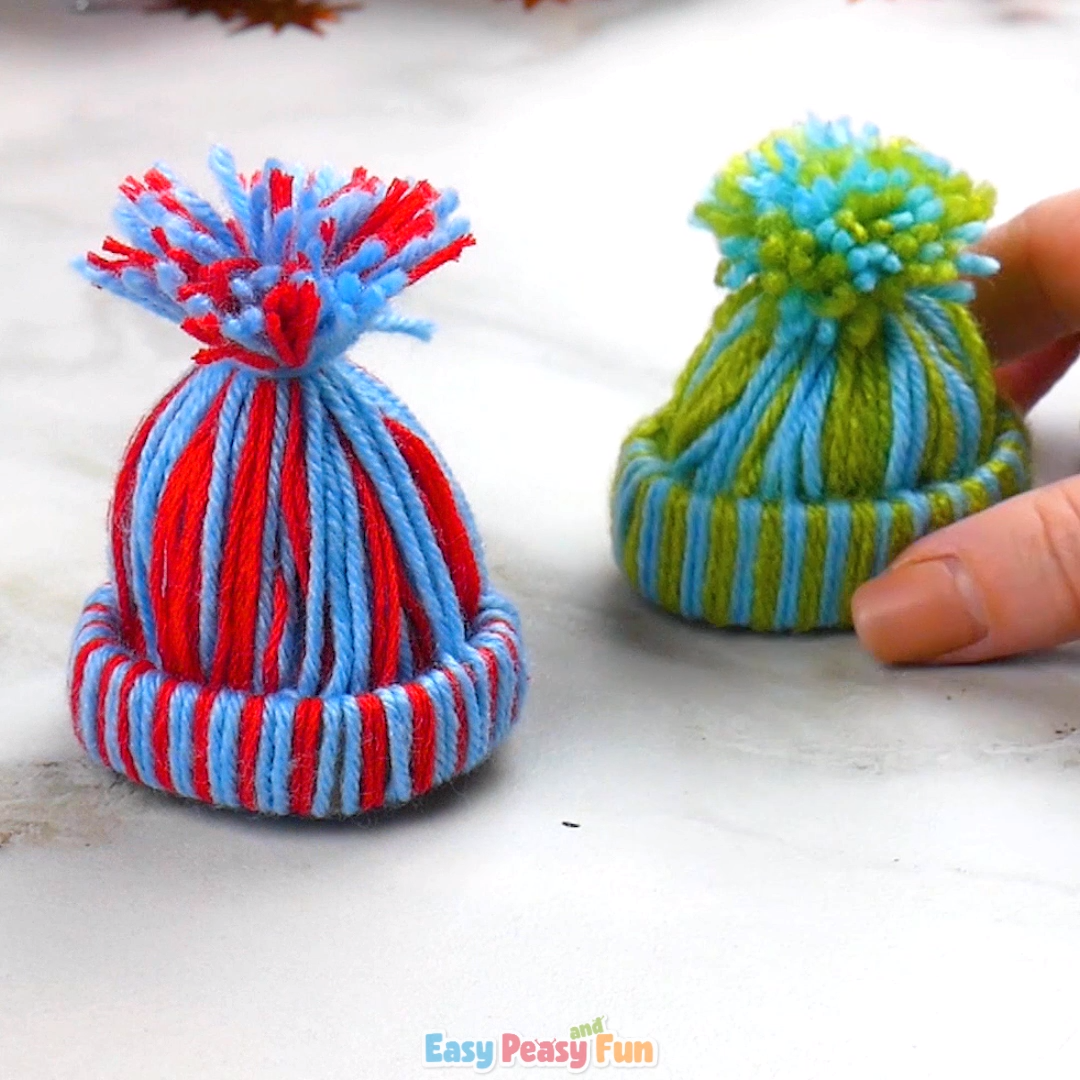 Mini Yarn Hats Ornaments – Christmas crafts