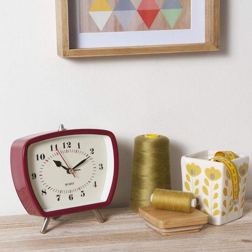 Réveil vintage en plastique rouge 14 x 15 cm | Maisons du