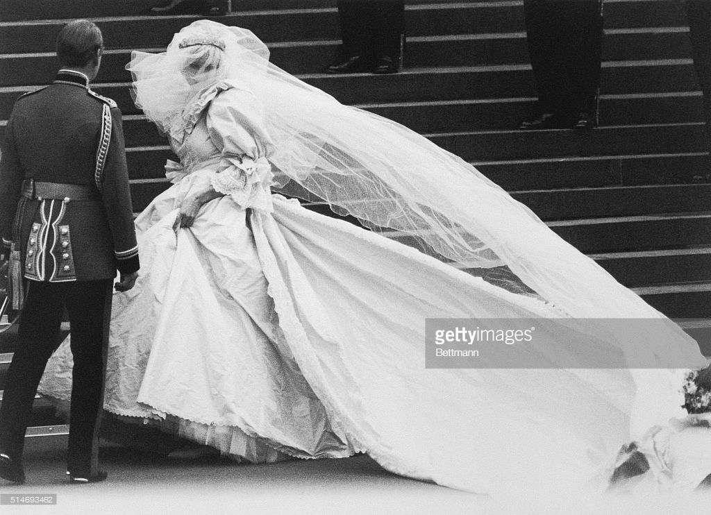 Lady Diana Spencer arrives at St. Paul's Cathedral on her
