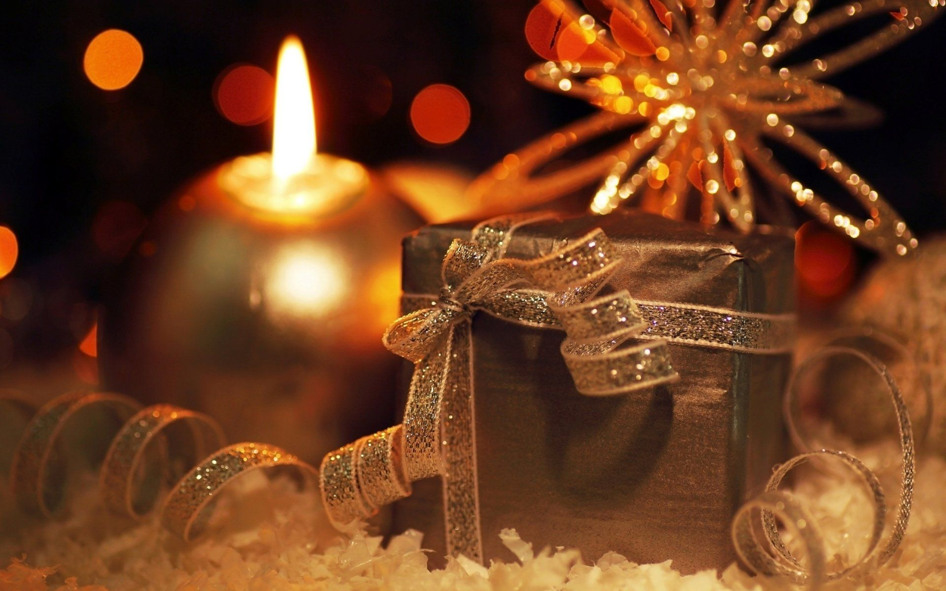 Holiday Christmas Gift Candle Wallpaper