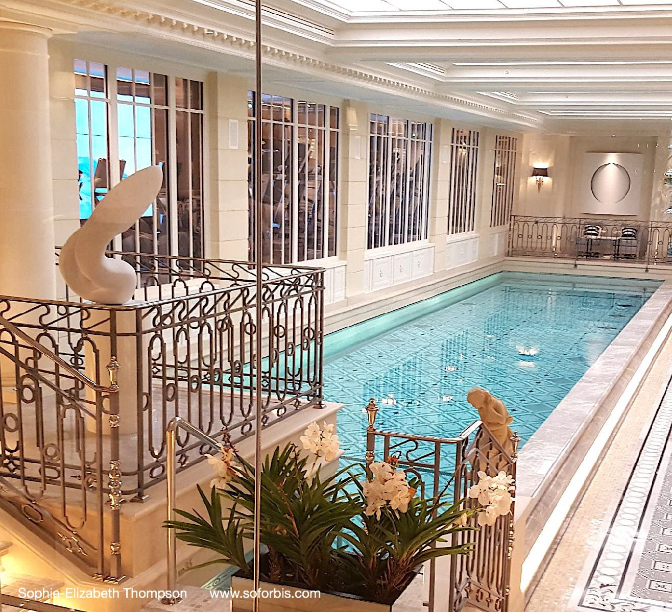 Blanco V In Carrara Marble Four Seasons George V Spa Paris