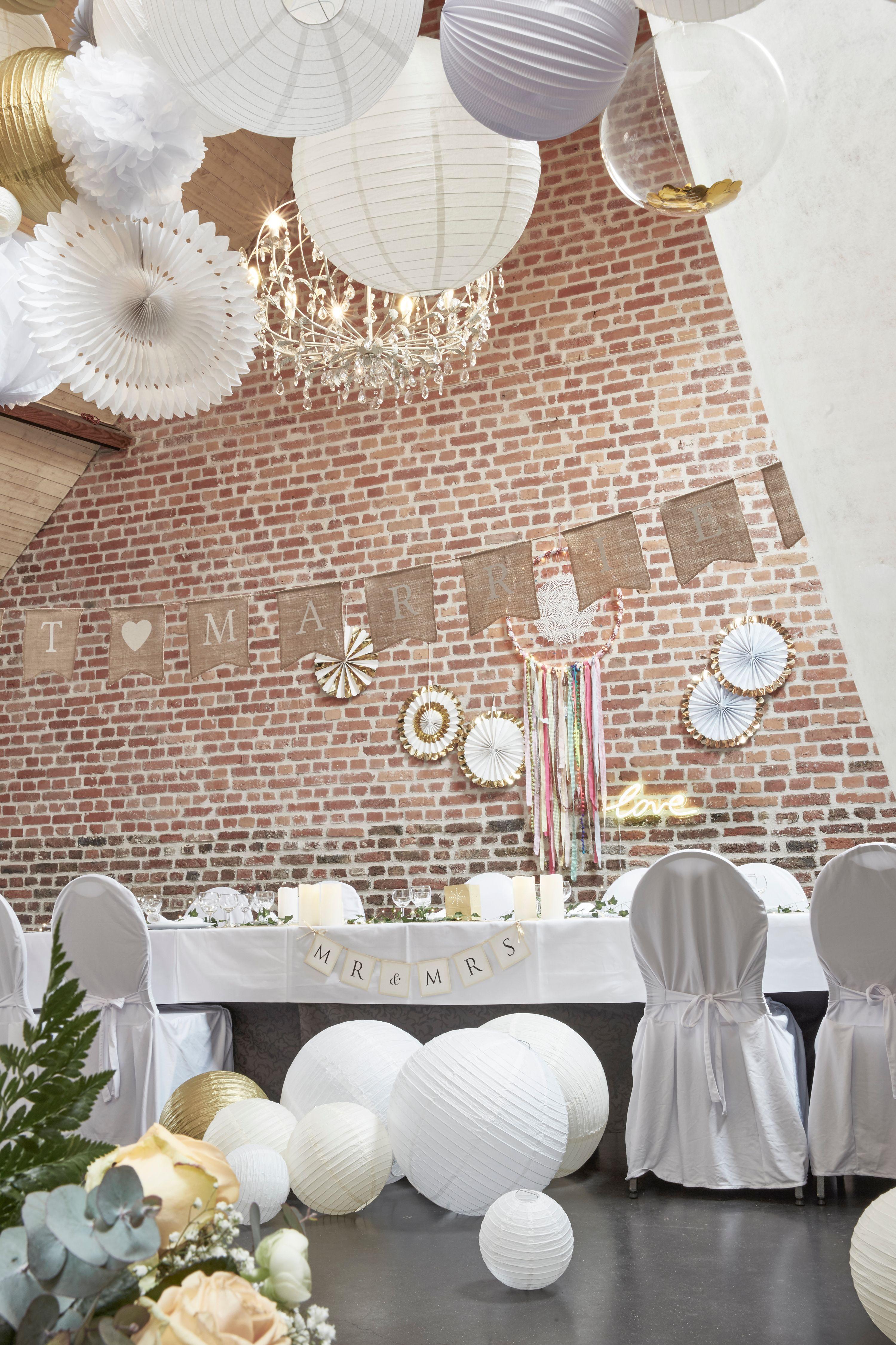 d co mariage champ tre avec guirlande fanion jute just married lampions lanternes boules. Black Bedroom Furniture Sets. Home Design Ideas