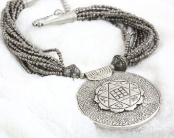 Stylist boho resin beads necklace handmade tribal by AristaBeads