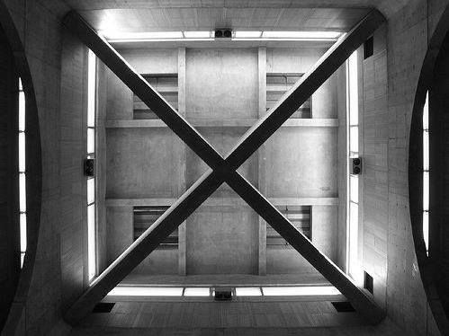 La Biblioteca de la Phillips Exeter Academy - New Hampshire - Louis I. Kahn - 1972
