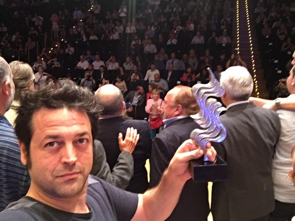 Hermes Marco recogiendo el premio de la crítica en el Festival de ...