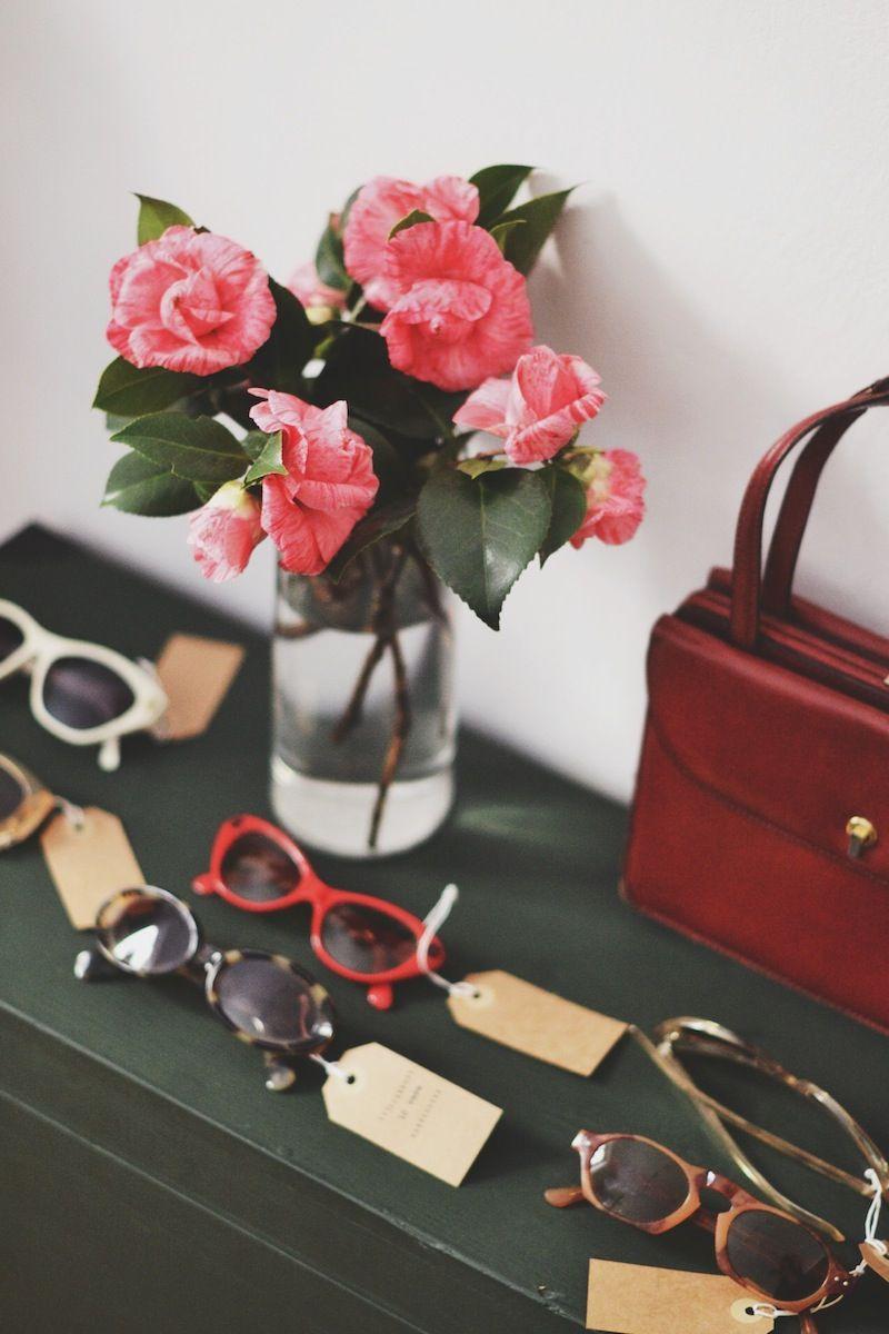 Detalles.... Gafas y bolso vintage.