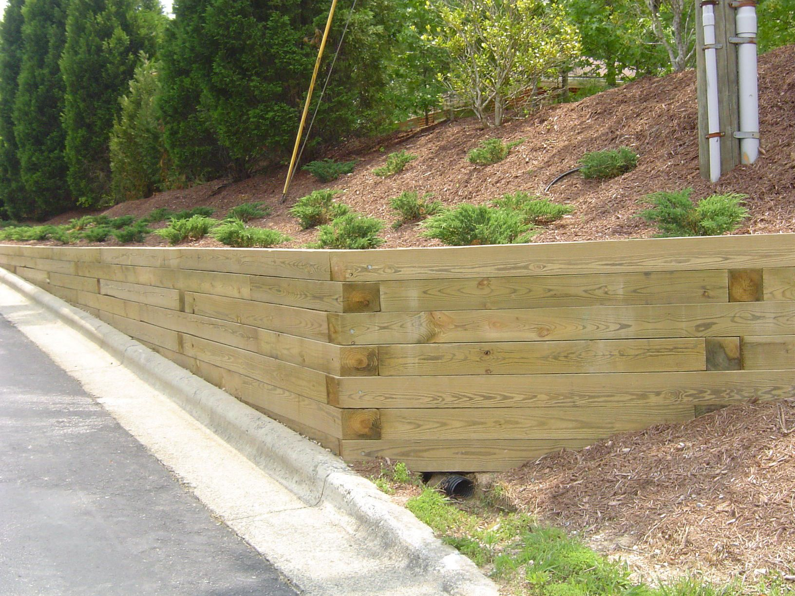 Treated Wood Retaining Wall Design | ... Retaining Wall Landscape Timber  Retaining Wall How To Build Treated