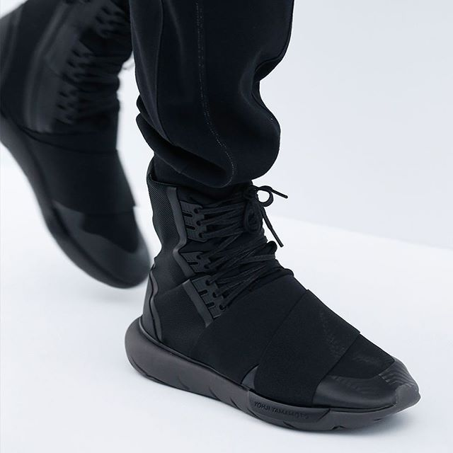 Y 3 hints at a sci fi future with the Qasa Boot. #adidas #Y3