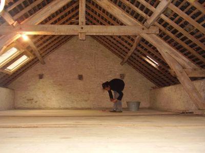 Deux chambres et un atelier 50 m gagn s grenier - Comment nettoyer une vmc dans les combles ...