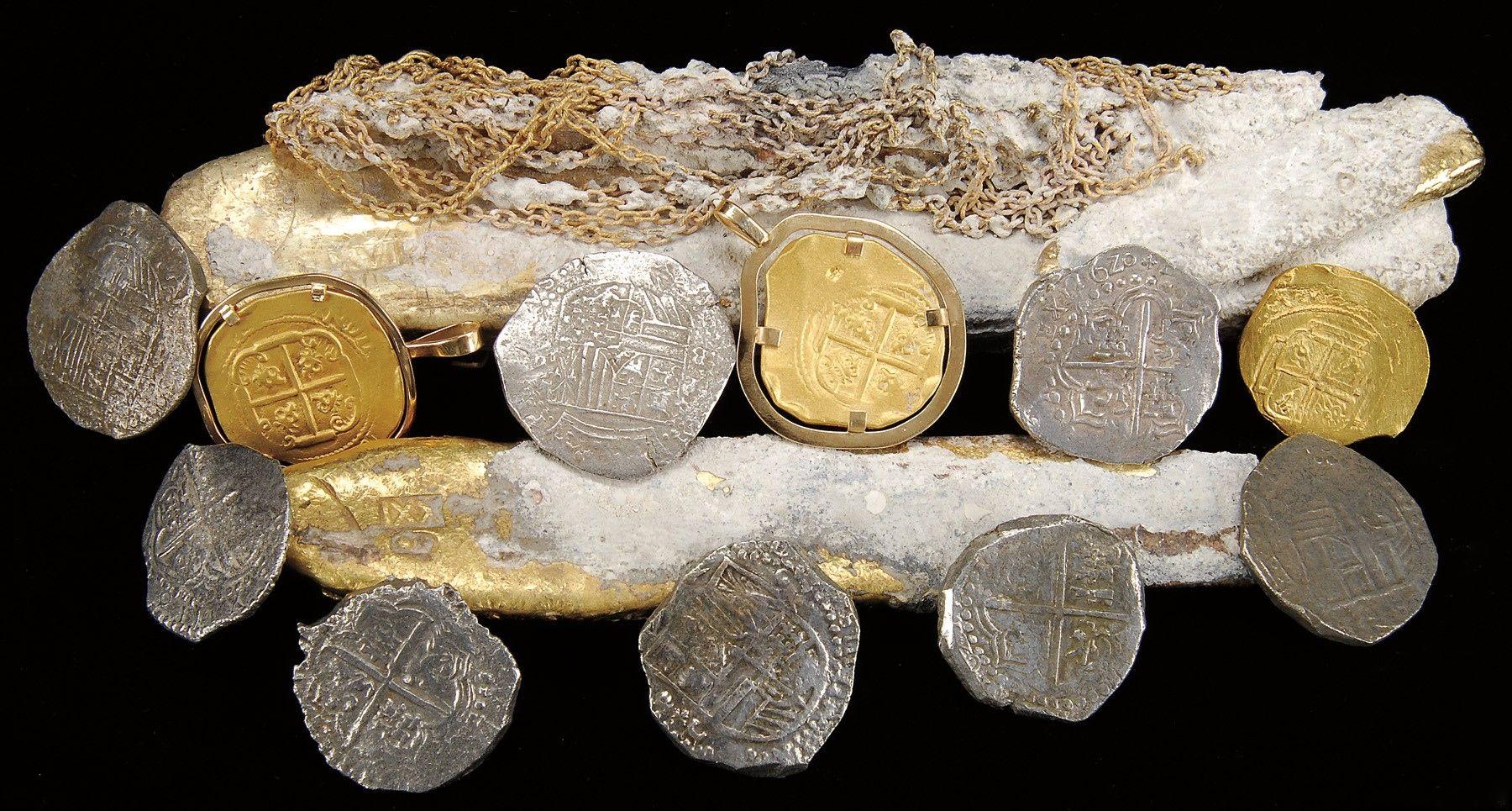 Lingotes Y Cadenas De Oro Monedas De Oro Y Plata Recuperados Del Lugar Del Naufragio Por Un Huracán Cayos De Florida Unique Antiques Treasures Ceramic Art