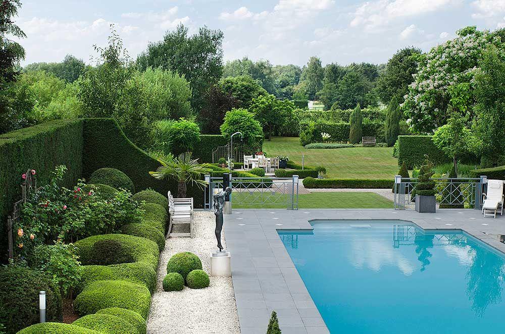 Klassieke tuin overzicht garden pinterest tuinen for Tuin met zwembad