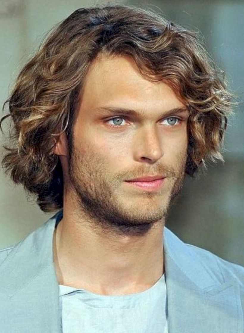 33 stunning curly hairstyle for men with white skin wavy