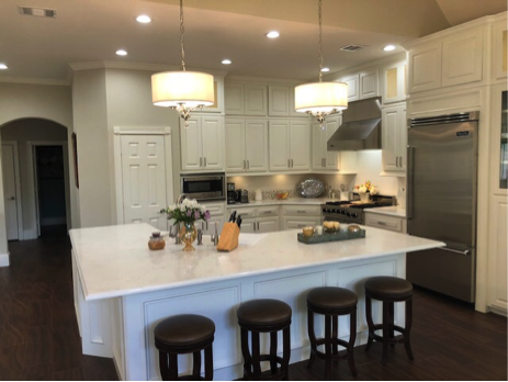 Glowing From The Inside Out If Your Kitchen Is Lacking Radiance Or Feeling Dull These Tipperary Quartz Count With Images Beautiful Kitchens Kitchen Remodel Kitchen Space