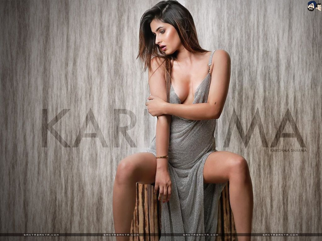 Hottest wallpapers of sexy heroine