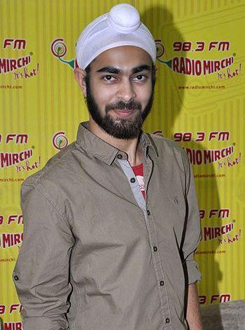 I still can't believe I am part of Bollywood. It still feels like a dream, says Manjot Singh!