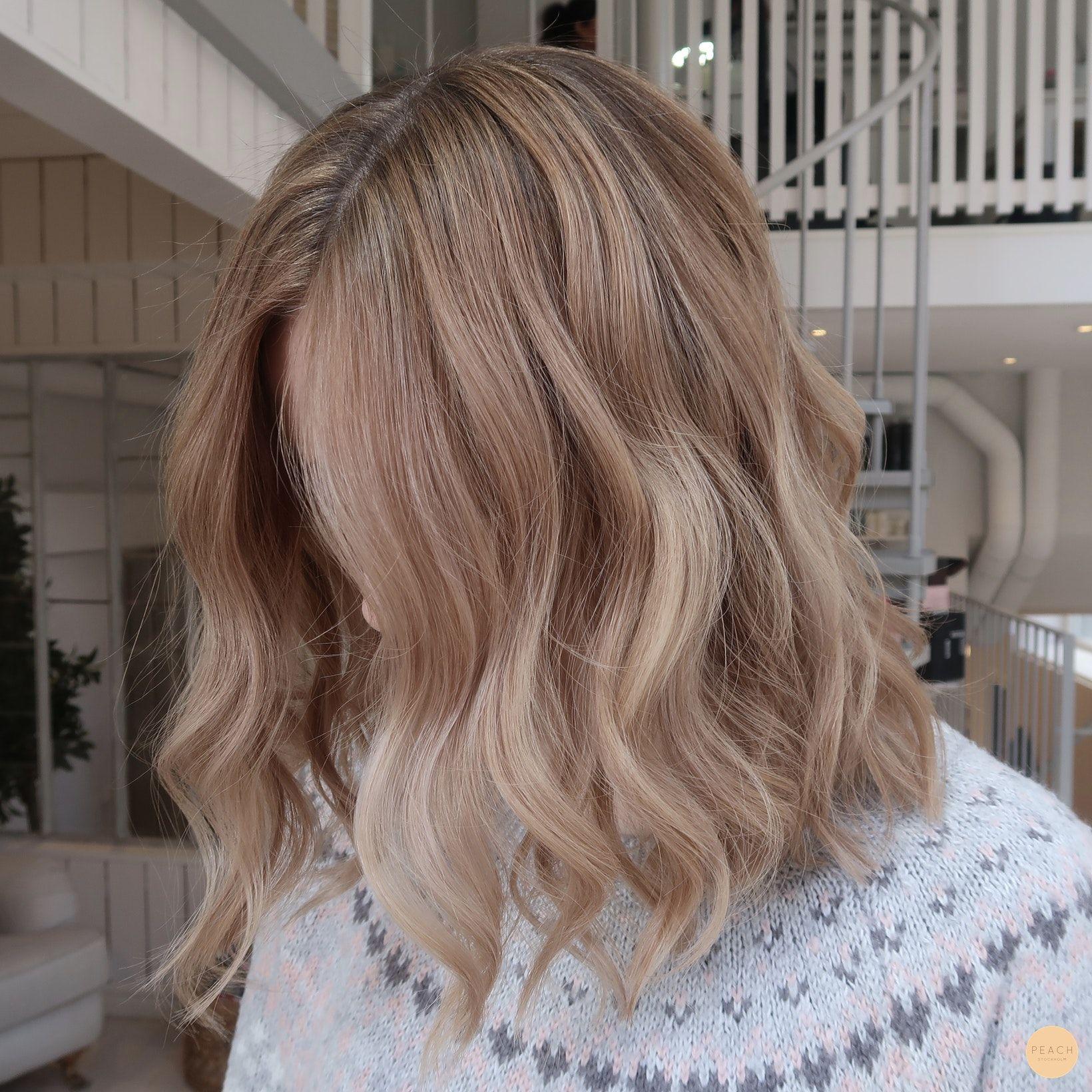 Varm blond balayage