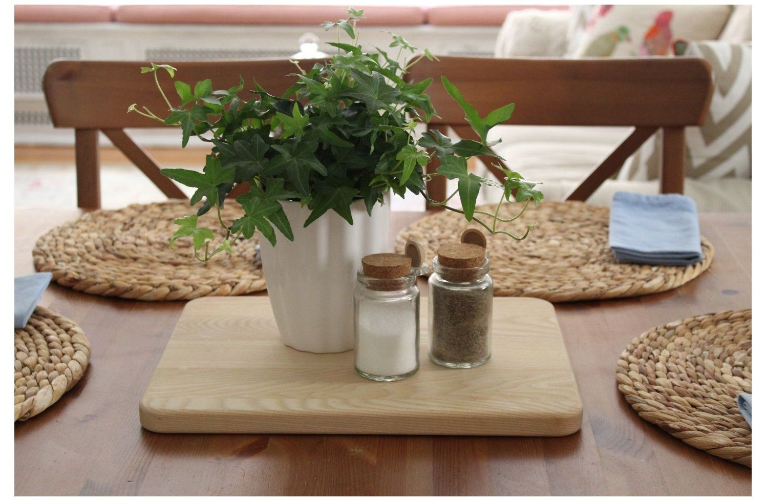 Dining Room Table Centerpiece Ideas Center Pieces Everyday Dinin In 2021 Kitchen Table Decor Everyday Kitchen Table Centerpiece Dining Table Decor Centerpiece